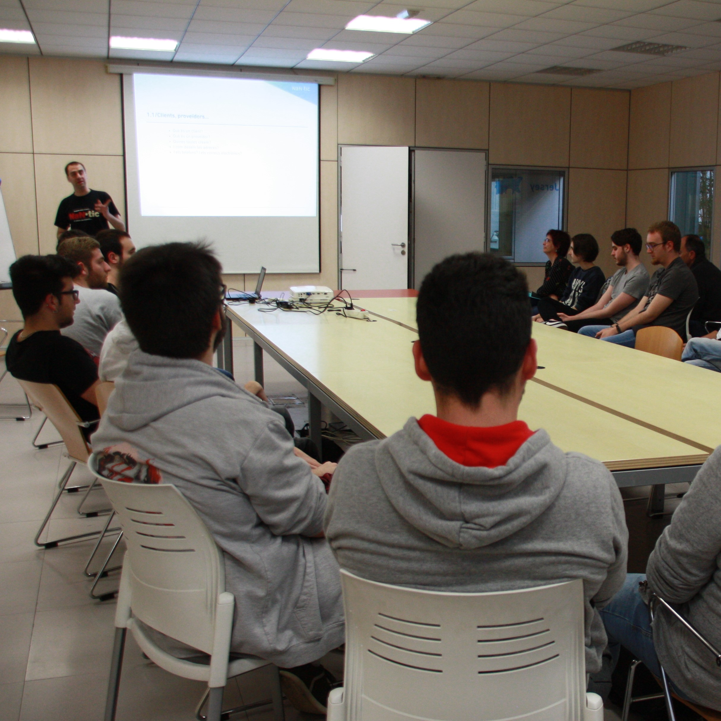 Future programmers visit NaN-tic and Infinitum Projects